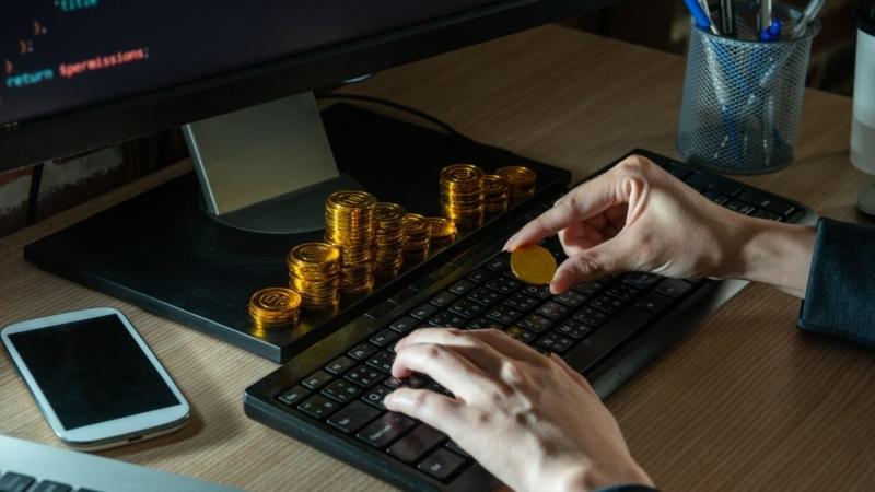 КРИПТОЖМЫХ / Потеря 8999 биткоинов, инвестиция в BTC от MicroStrategy и причины ненависти к альткоинам